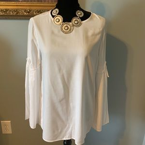 THE WHITE CLASSIC BLOUSE
